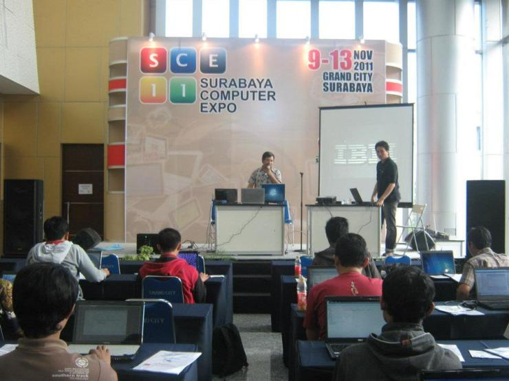 Workshop-Cloud-Computing-Server-System-with-VMWare-ESX-at-Surabaya-Computer-Expo-2011-Grand-City-Mall-001