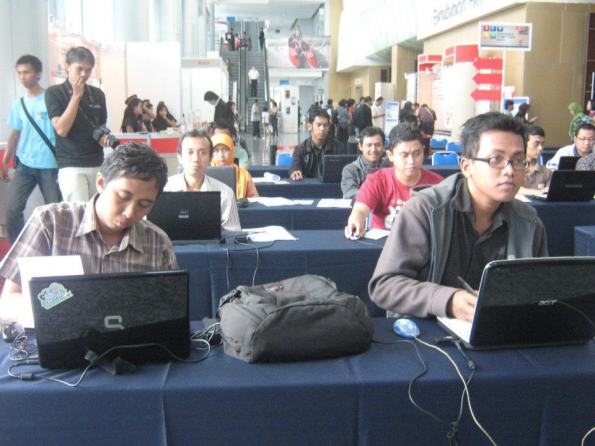 Workshop-Cloud-Computing-Server-System-with-VMWare-ESX-at-Surabaya-Computer-Expo-2011-Grand-City-Mall-003