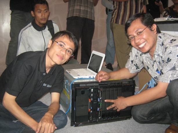 Workshop-Cloud-Computing-Server-System-with-VMWare-ESX-at-Surabaya-Computer-Expo-2011-Grand-City-Mall-004