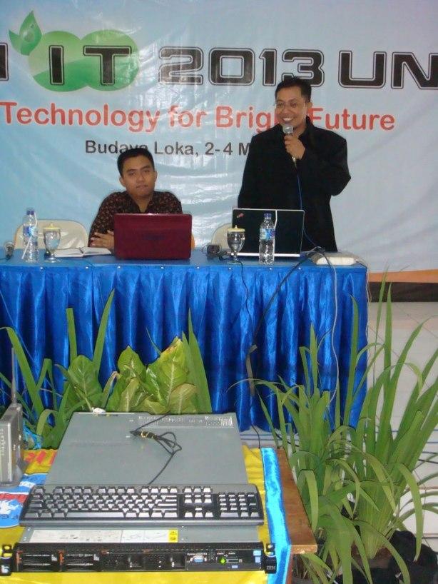 Seminar-VMWare-Cloud-Server-System-at-Pekan-IT-Unirow-04-Mei-2013--000