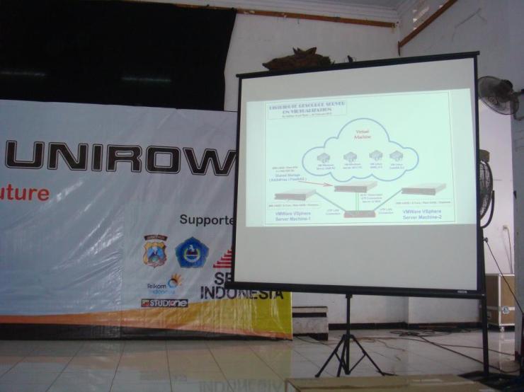 Seminar-VMWare-Cloud-Server-System-at-Pekan-IT-Unirow-04-Mei-2013--001