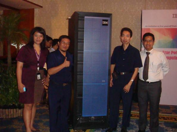 Nathan-and-IBM-PureFlex-Server-02