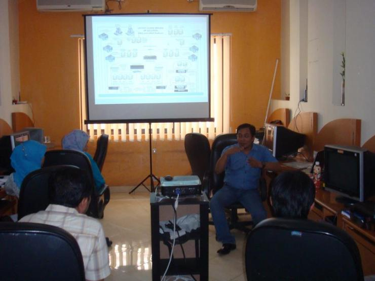 Workshop-9-Linux-Server-System-at-HR-Muhammad-Surabaya